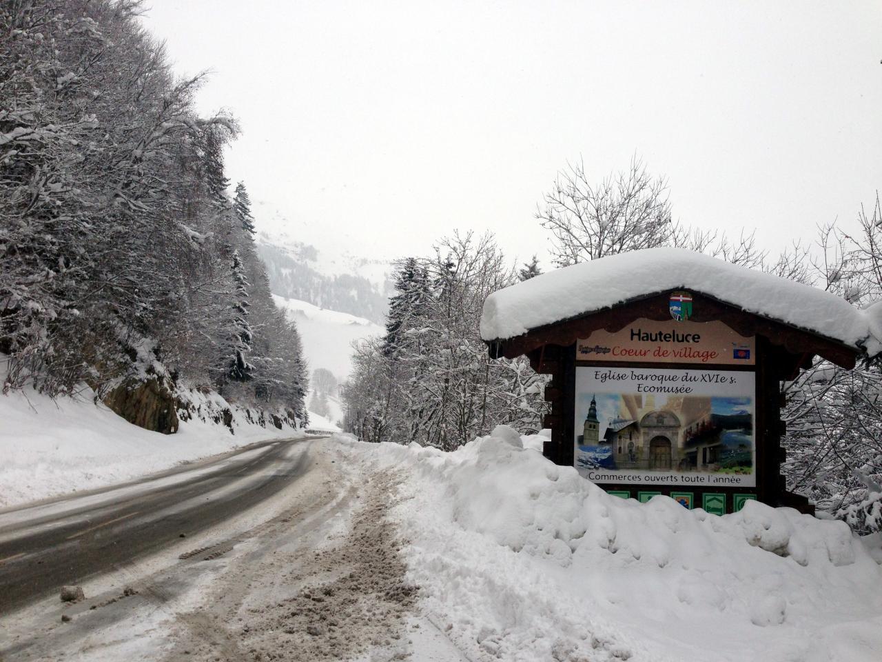 Route d'Hauteluce le 11/02/13